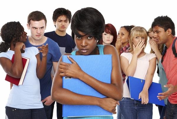 Bệnh ám ảnh xã hội - dấu hiệu, triệu chứng và cách điều trị
